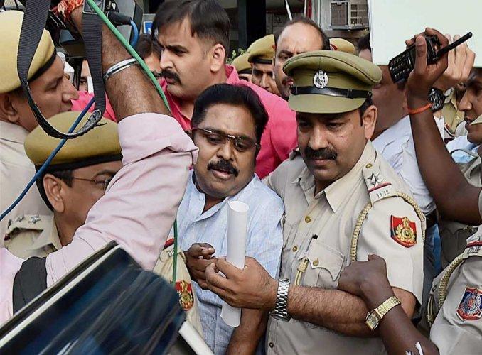 Dhinakaran case: Delhi police quiz men on cash trail trajectory