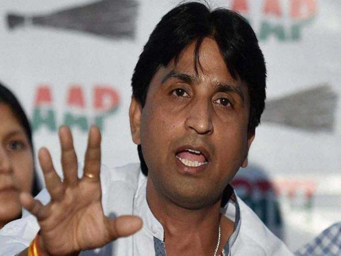 AAP leader  hits out at 'palace politics'