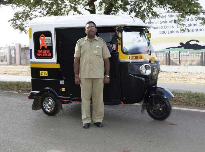 Belagavi driver turns his auto into an ambulance at night