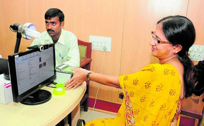 Citizens forced to give personal info for Aadhaar, petitioners tell Supreme Court