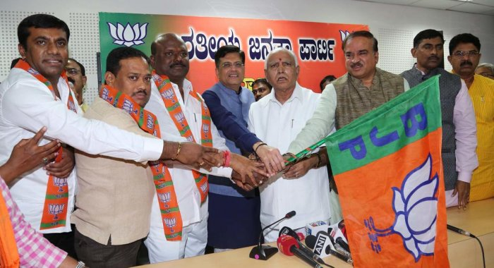 Two JD(S) MLAs from Raichur resign, join BJP