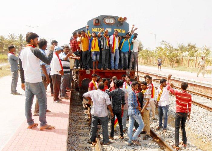Mixed response to Karnataka bandh in old Mysuru region