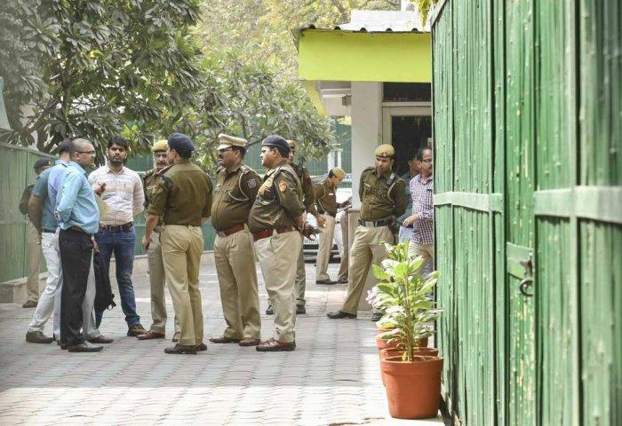 AAP vs Chief Secy: Police team at CM's residence, Kejriwal fumes