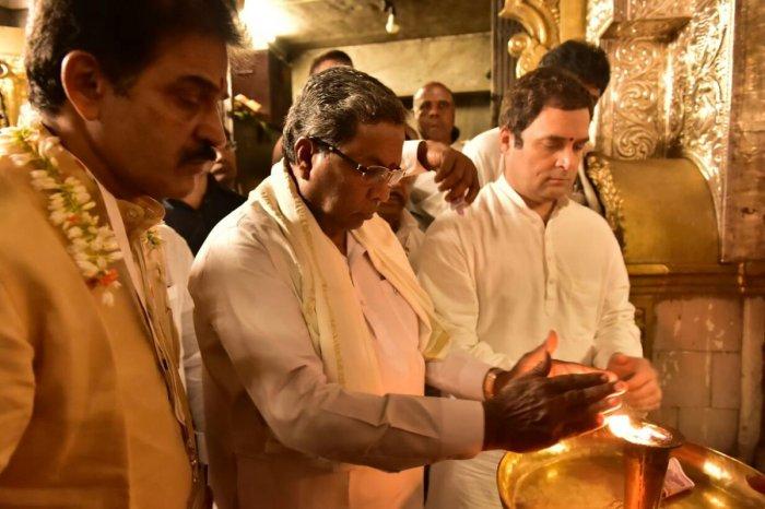 Rahul begins Mysuru tour with visit to Chamundeshwari Temple