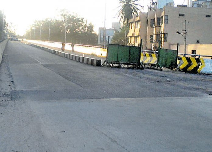 After a long delay, the first flyover of the city, coming up on the Outer Ring Road (ORR) Circle at Hinkal, is likely to be opened for vehicular traffic on Vijayadashami on October 19. DH file photo for representation only