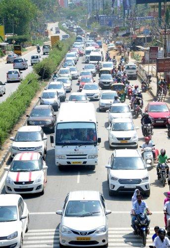Bumper to bumper traffic on Mysuru road towards Mysuru during the weekend and also on polling day on Saturday. Photo Srikanta Sharma R.