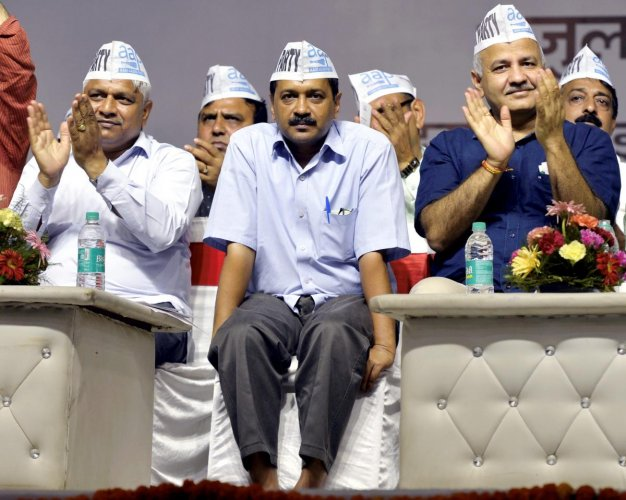 Delhi Chief Minister Arvind Kejriwal, Dy CM Manish Sisodia and other AAP leaders. (PTI File photo)