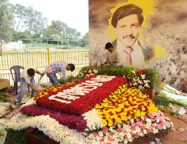 The Mysuru district administration has assured the fans that the dispute will be resolved in January, and the construction of the memorial will begin in the same month. DH FILE PHOTO