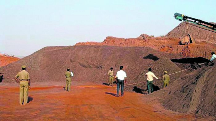 The state Cabinet, in August 2017, gave approval for carrying out oreexploration in three districts - Ballari, Chitradurga and Tumakuru. DH FILE PHOTO