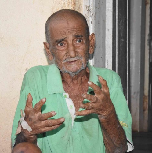 Vincent Christine, who was abandoned by his son, has been housed at the orphanage on the civil hospital premises in Dharwad. DH photo
