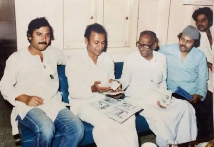 Ambarish seen with actors, the late Dr Rajkumar, Ashok and Lokesh and politician-film-maker K V Shankaregowda at the latter's house at Bandigowda Layout, in Mandya. Photo courtesy K S Chaitra Bocheer, professor, Bangalore Institute of Technology