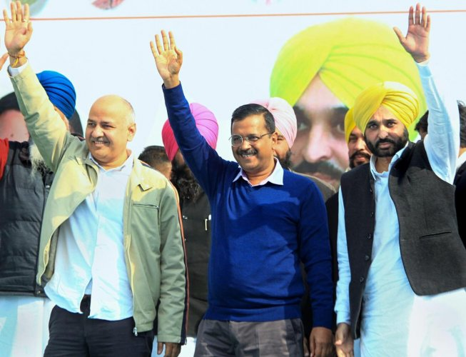 Aam Aadmi (AAP) convener and Delhi CM Arvind Kejriwal, his deputy Manish Sisodia and party MP Bhagwant Mann during a rally in Barnala, Sunday, Jan 20, 2019. (PTI Photo)
