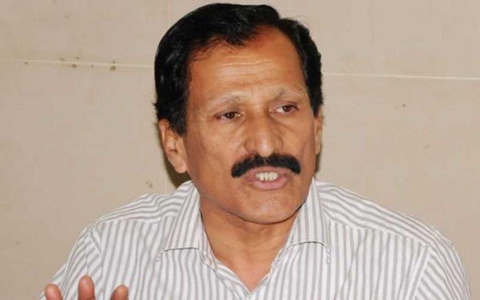 S P Muddahanumegowda