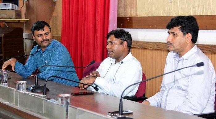 Deputy Commissioner Sasikanth Senthil speaks at a meeting on Sveep activities in Mangaluru on Saturday.