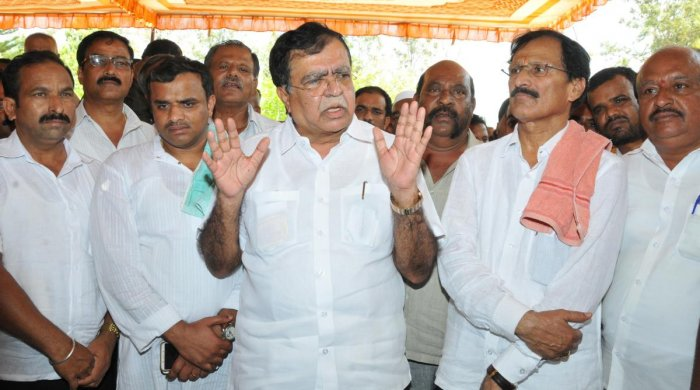Former MLA K N Rajanna (centre) and senior Congress leaders during a well-wishers meeting convened by MP S P Muddahanumegowda (second from right) in Tumakuru on Saturday. dh photo