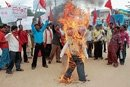 CPI(ML), JD(S) stage protest against oil price hike