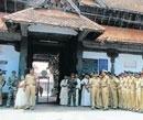 Chain snatchers stalk Kerala temple