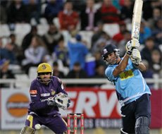 Mahmood-inspired Auckland beat KKR by 7 wickets
