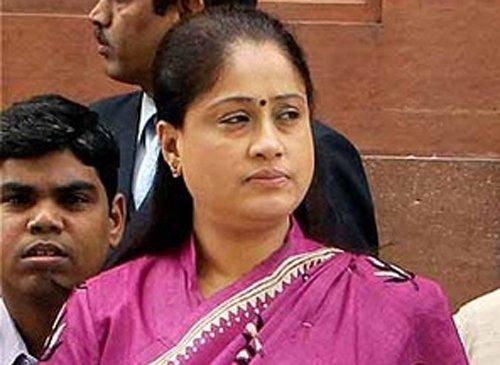 TRS MP Vijaya Shanthi joins Congress
