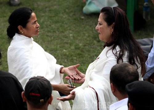 CPI-M leader under fire for Mamata, Moon Moon remarks