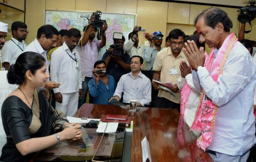KCR files nomination papers from Medak