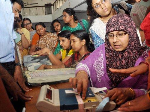 Voting begins in Kerala