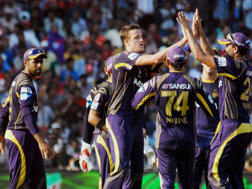 Gambhir guides KKR to a nine-wicket win over KXIP