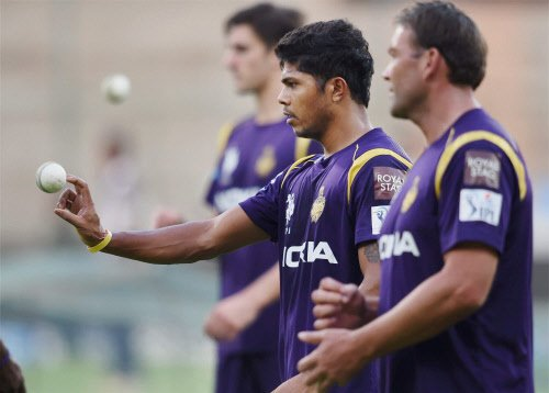 KKR opt to bowl against KXIP in the IPL final