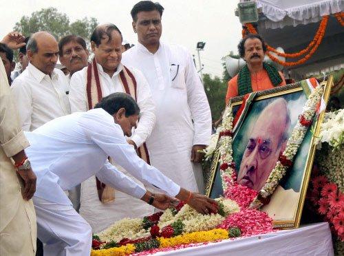 KCR roots for Bharat Ratna for Narasimha Rao