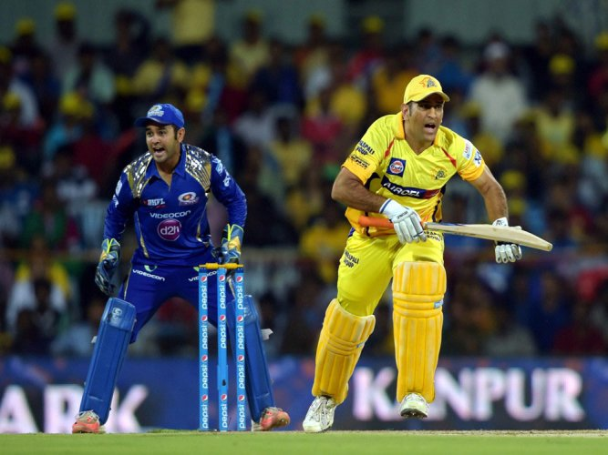 Dhoni defends his decision of not using Ashwin