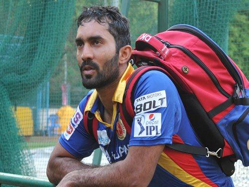RCB's Dinesh Karthik fined