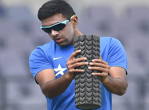Should adapt to conditions rather than fighting it: Ashwin