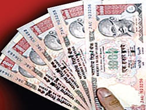 Disqualify candidates in money distribution row: BJP, CPI(M)