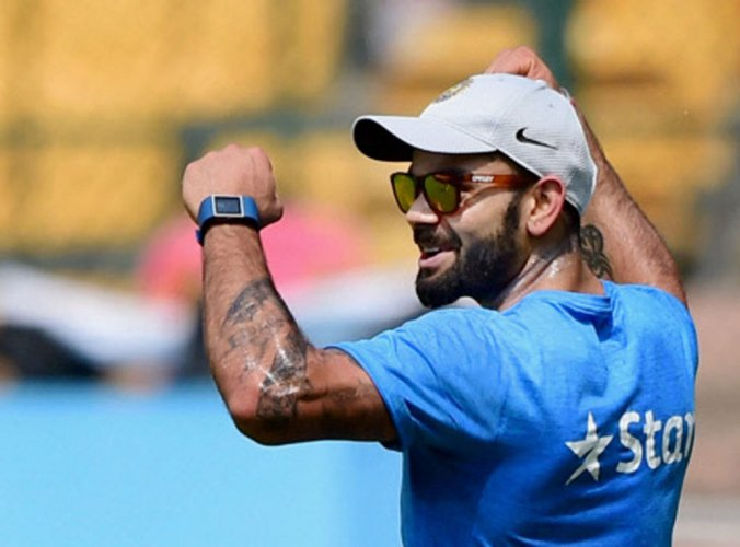 Inspirational Kohli set to play vs KXIP despite split webbing