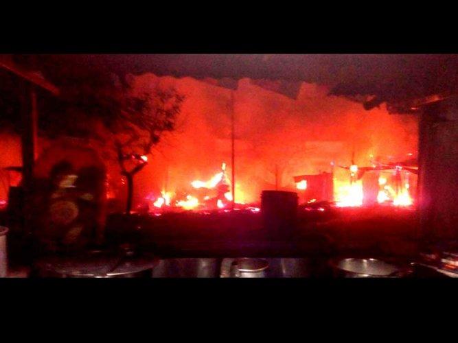 Fire by dawn guts 16 shops in Koppal; none hurt