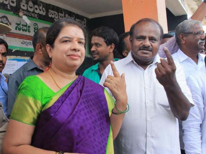 Chief Minister H D Kumaraswamy with wife Anitha. (PTI file photo)
