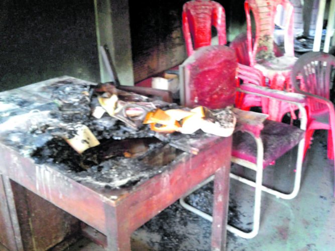 Miscreants vandalised and set fire to the CPI office in Bantwal on Thursday.