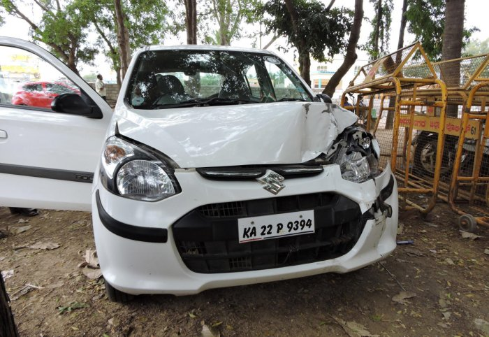 District Judge Basavaraju's car that was damaged in a road mishap in Chamarajanagar on Tuesday.