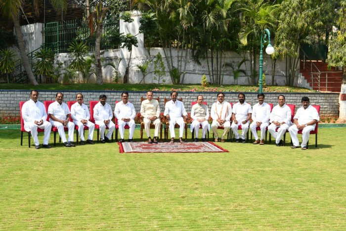 KCR with the legislators inducted into the cabinet. Photo: Twitter/IPRTelangana