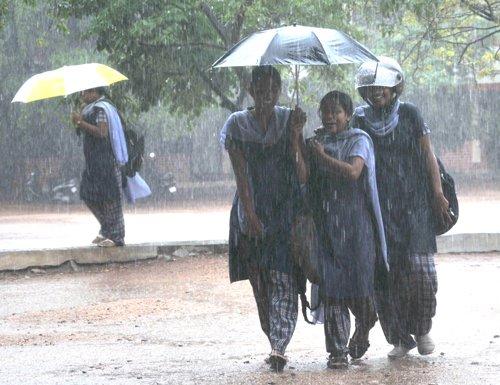 Monsoon gains momentum over Kerala