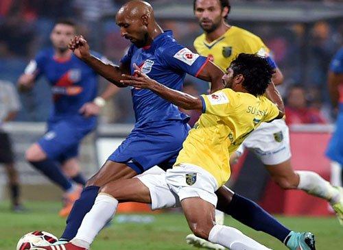 Anelka helps Mumbai City beat Kerala Blasters 1-0