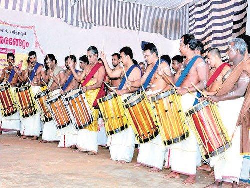 Prisoners' hopes soar with beats of Chenda in Kerala