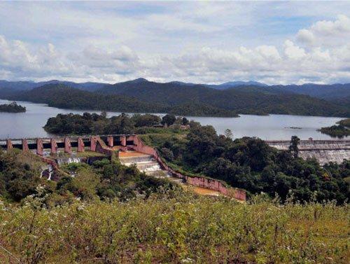 'Efforts to build new dam at Mullaperiyar by Kerala'