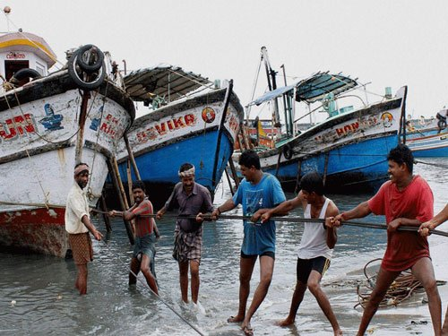 Kerala goes against Centre's fishing ban