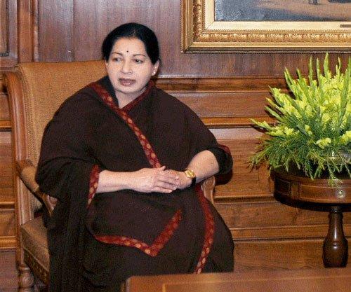 Dam: Jaya questions Centre for entertaining Kerala's request