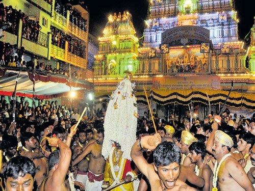 Kerala temple fire forces Karaga to cancel fireworks