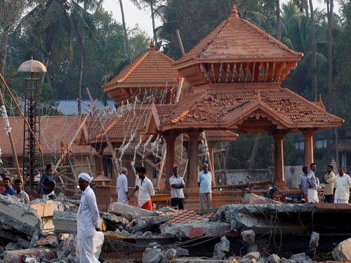 Kerala to seek Rs 117 cr for temple fire relief