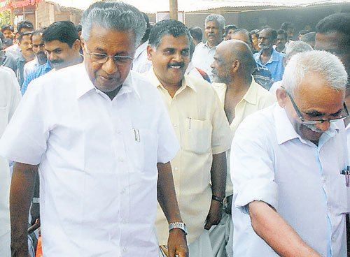 Pinarayi is all poise in sizzling Palakkad