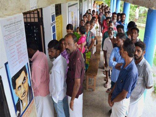 Kerala sees dip in voter number