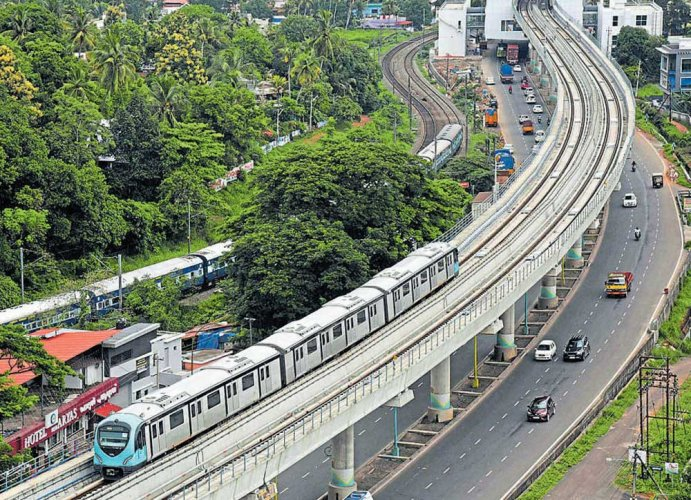 On inaugural day, PM dedicates Kochi Metro Phase I to nation